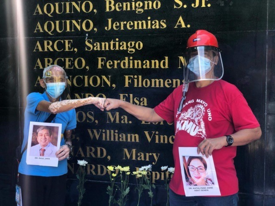 Workers pay tribute to fallen frontliners; call for mass testing, work safety, jobs